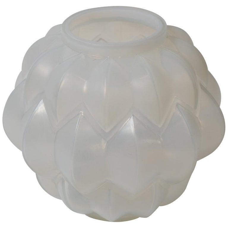 """Opalescent Glass Vase """"Nivernais"""" by René Lalique For Sale"""