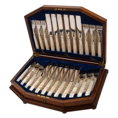 Edwardian Cased Mother-of-Pearl Fish Set, circa 1905
