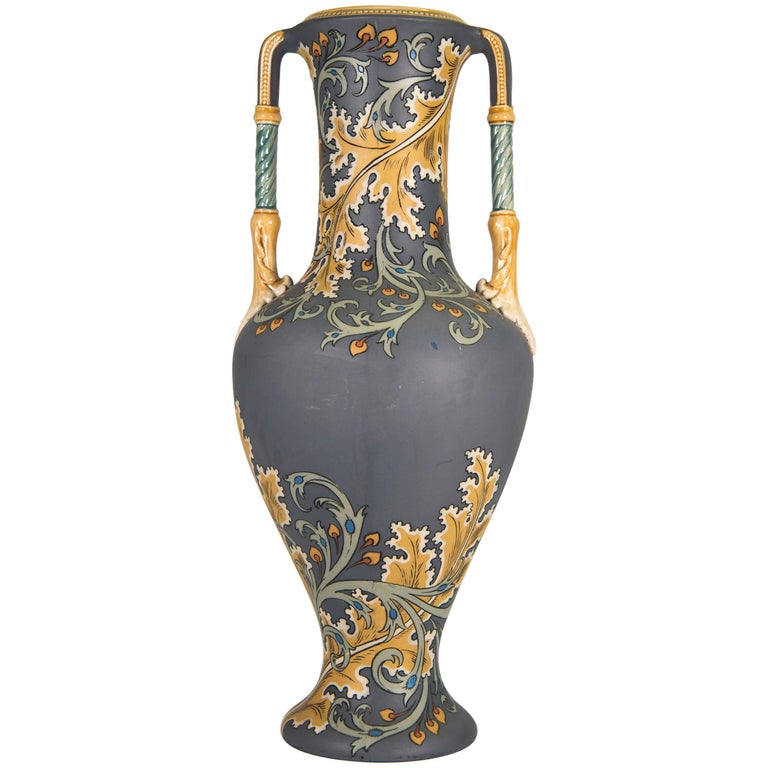Mettlach art nouveau vase with floral decor circa 1900 for Art nouveau decoration