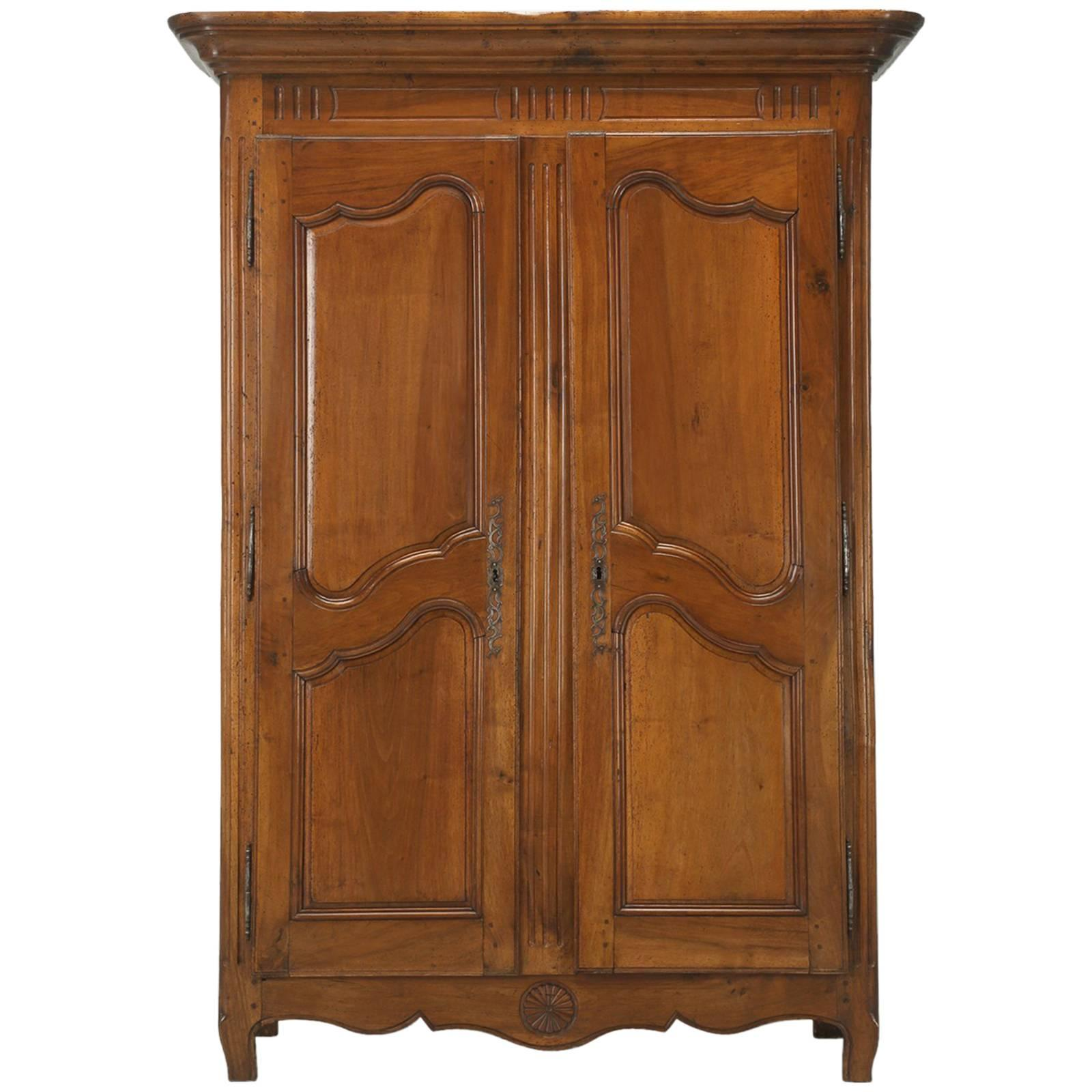 Antique French Armoire In Solid Walnut From The Toulouse Area, Circa 1775  For Sale