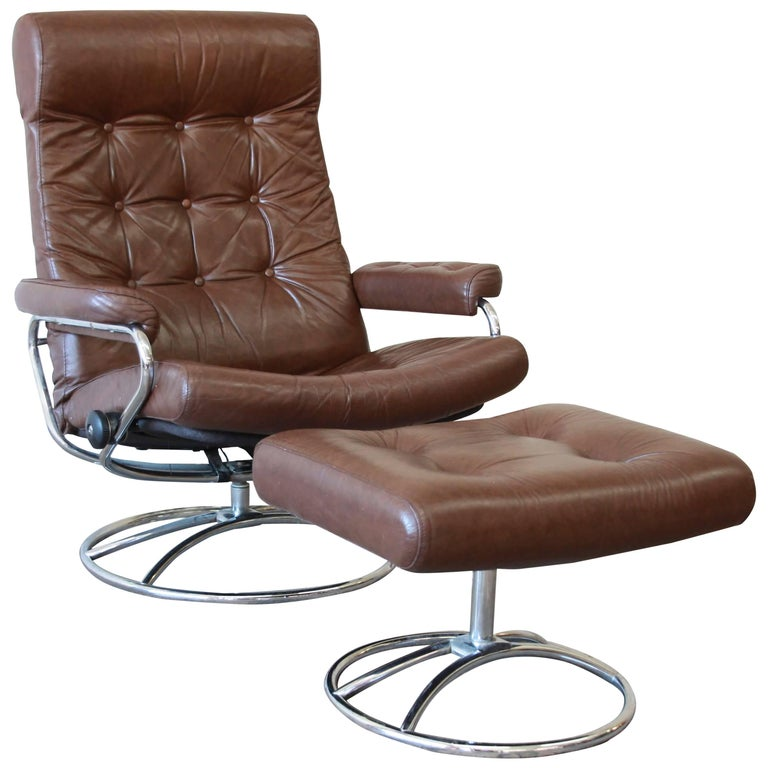 Vintage Brown Leather Ekornes Stressless Lounge Chair With