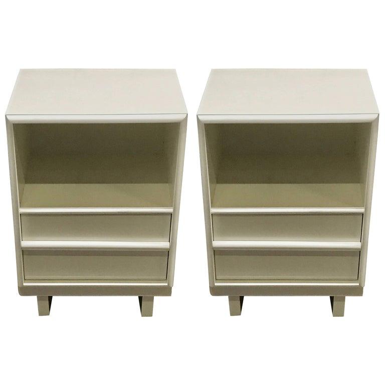 Pair of Robsjohn-Gibbons White Lacquered Nightstands
