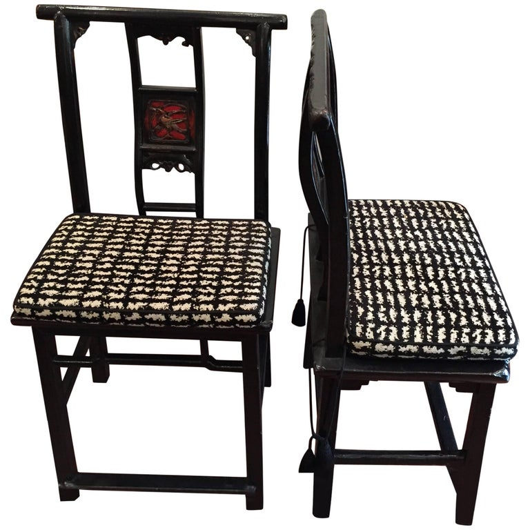 19th Century Black and Red Lacquered Qing Dynasty Side Chair For Sale