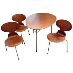 Arne Jacobsen Design Three-Legged Egg Table with Three Ant Chairs All in Teak