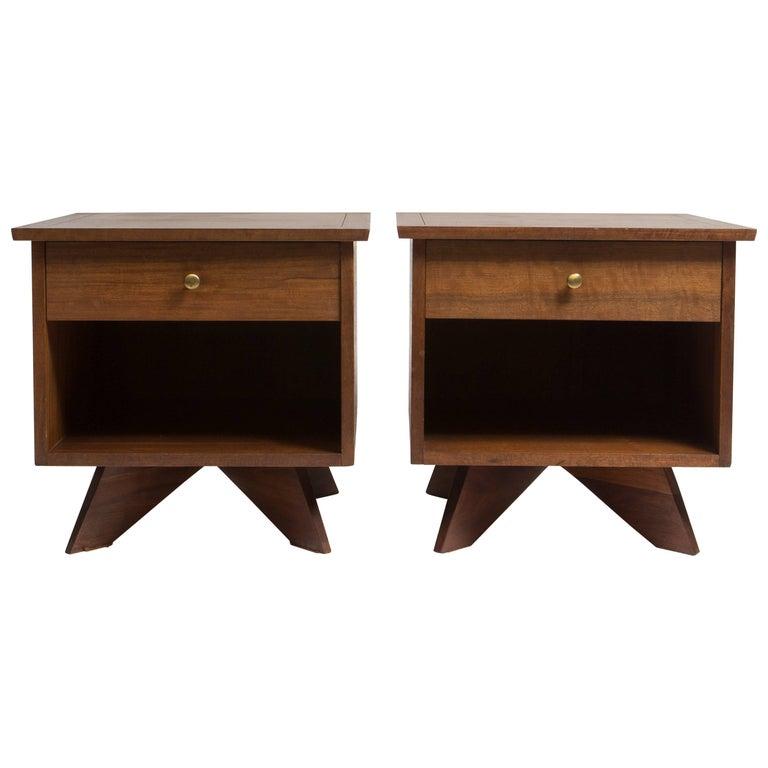 Pair of George Nakashima Walnut Bedside Tables, Mfg. Widdicomb For Sale