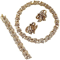 Trifari Vintage 'Golden Laurel' Gold Tone Necklace, Bracelet and Earrings