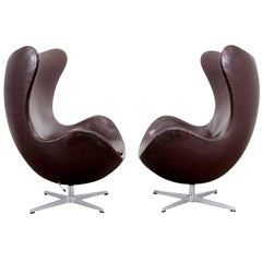 Pair of Dark Brown Egg Chairs by Arne Jacobsen