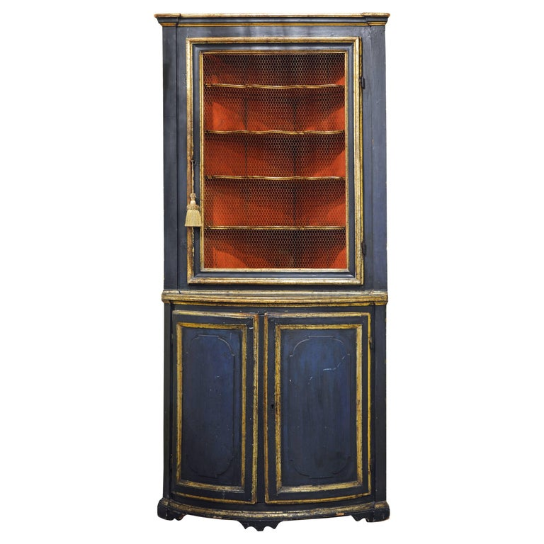 Charming 18th Century Italian Late Baroque Paint & Gilt Mesh Door Corner Cabinet For Sale