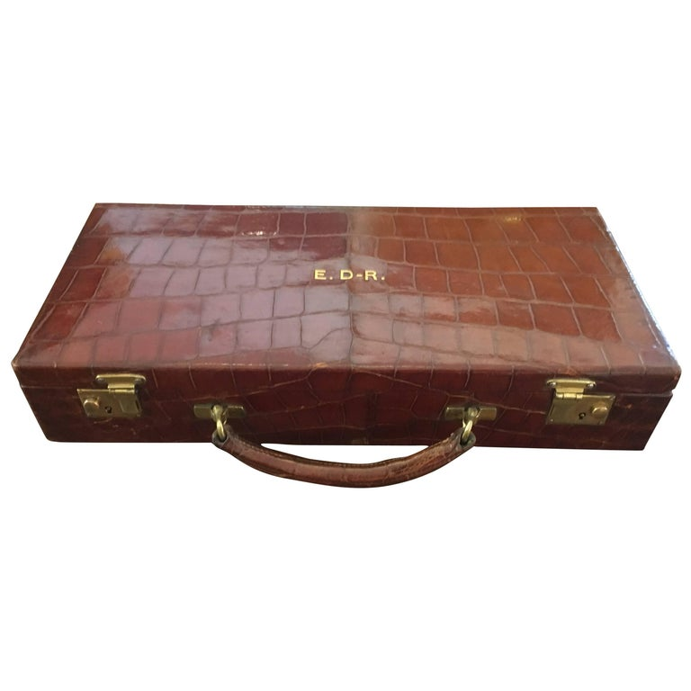 Edwardian Asprey & Co. Crocodile Skin Cantilever Travelling Jewelery Box For Sale