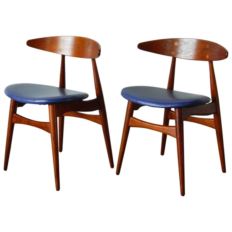 Pair of Teak Hans Wegner CH33 Chairs For Sale