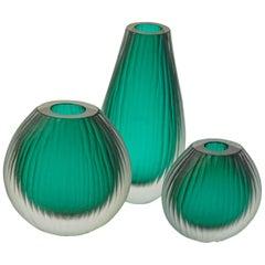 Emerald Green Sommerso Trittico Vase, Battuto Finish, Murano Made