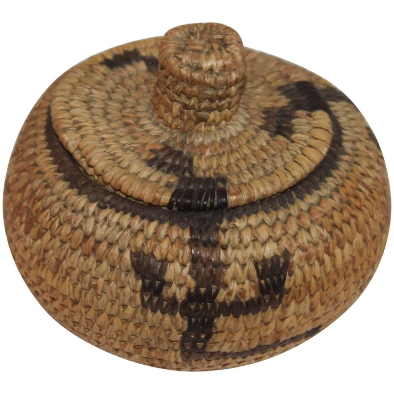 Pima Indian Miniature Hand-Woven Lided Basket 1