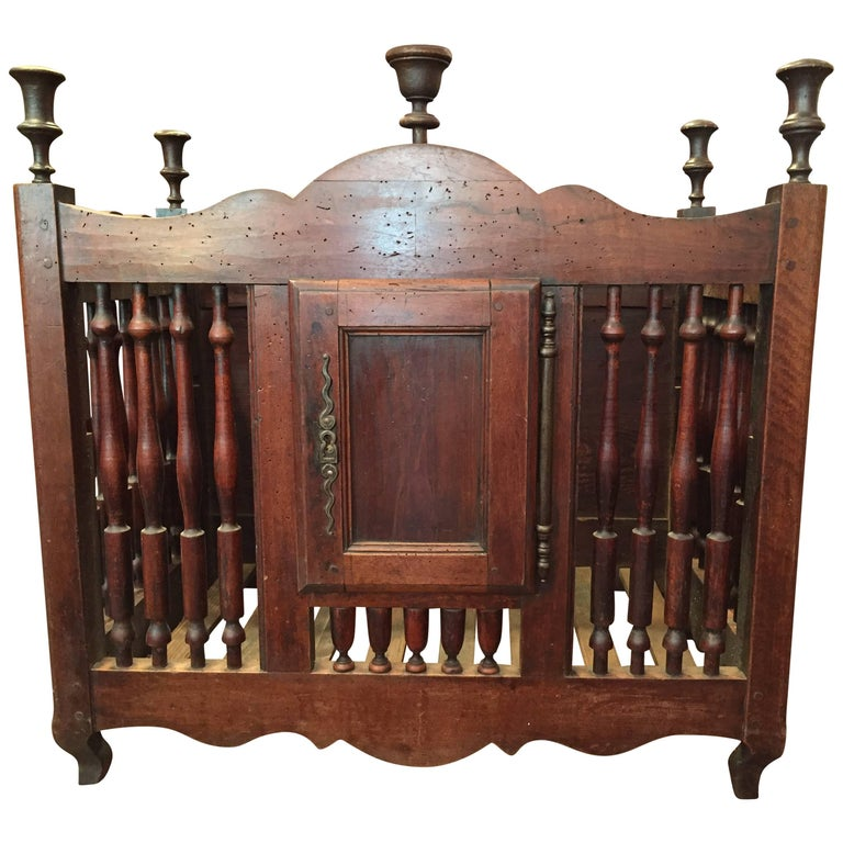 Late 18th Century French Walnut Louis XV Styled Panetiere from Brittany For Sale