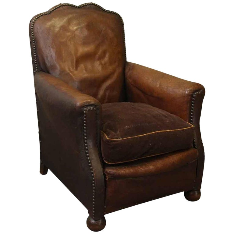 1940s french single vintage brown leather club chair for sale at 1stdibs. Black Bedroom Furniture Sets. Home Design Ideas