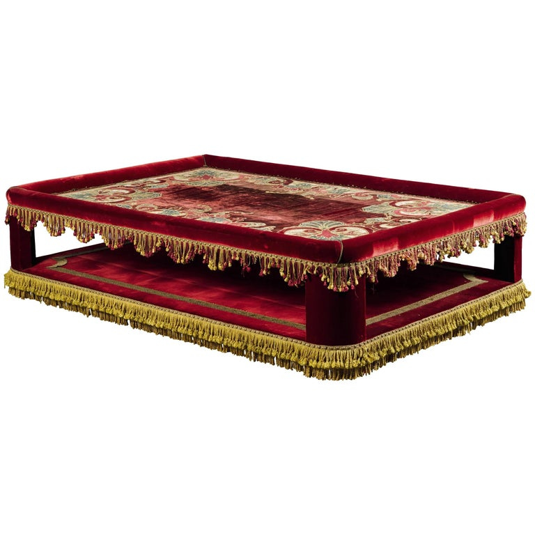 Red velvet and velvet appliqu banquette for sale at 1stdibs for Garcia s jewelry bench