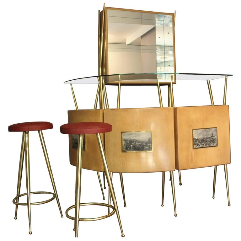 Midcentury Italian Dry Bar Cabinet in the Style of Gio Ponti in Maple For Sale