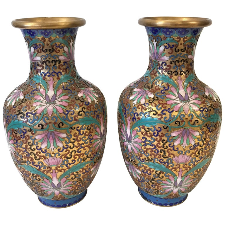 Pair of chinese cloisonne urns vases for sale at 1stdibs for Oriental vase and furniture