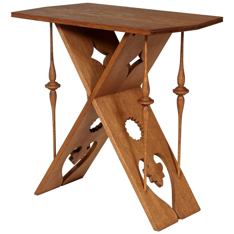 Arts and crafts style oak occasional table for sale at 1stdibs for Arts and crafts style table