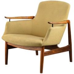 Finn Juhl Rare Lounge Chair Model FJ53 in Rosewood