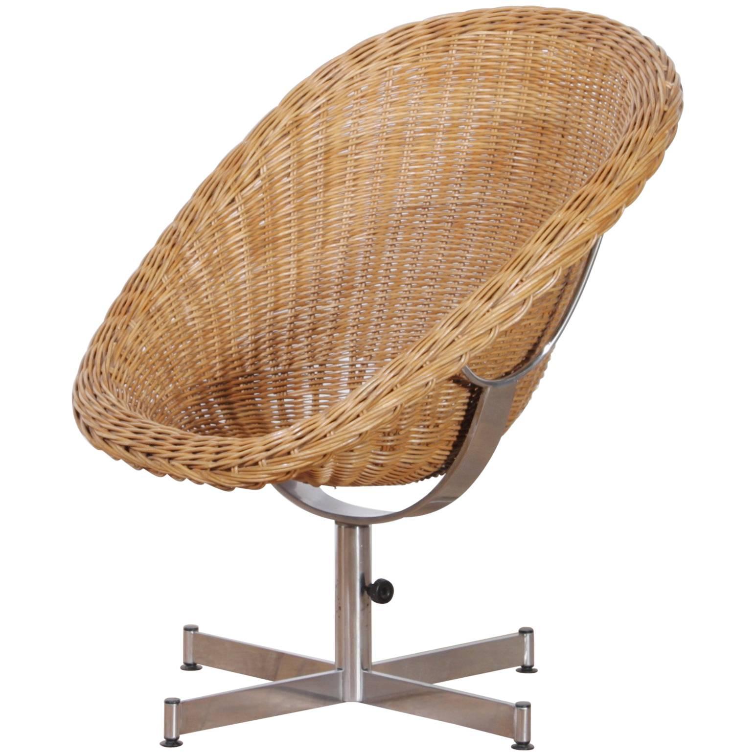 1960s, Rattan Swivel Chair By Dirk Van Sliedregt For Gebroeders Jonkers 1