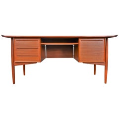 Arne Vodder Teak Executive Desk with Flared Ends and File Drawer for H.P. Hansen