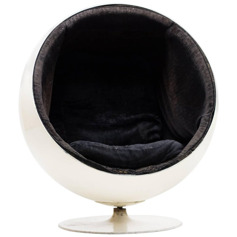original 1960s ball chair by eero aarnio for asko for sale at 1stdibs. Black Bedroom Furniture Sets. Home Design Ideas