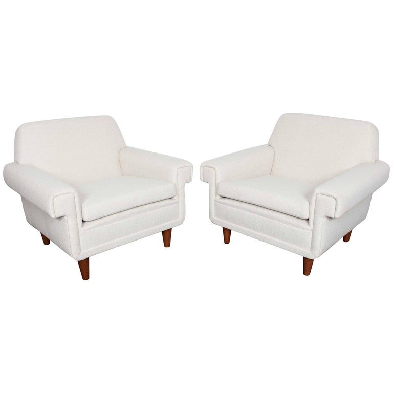Pair of Swedish Mid-Century Modern Reupholstered Lounge Chairs by Ire Mobel