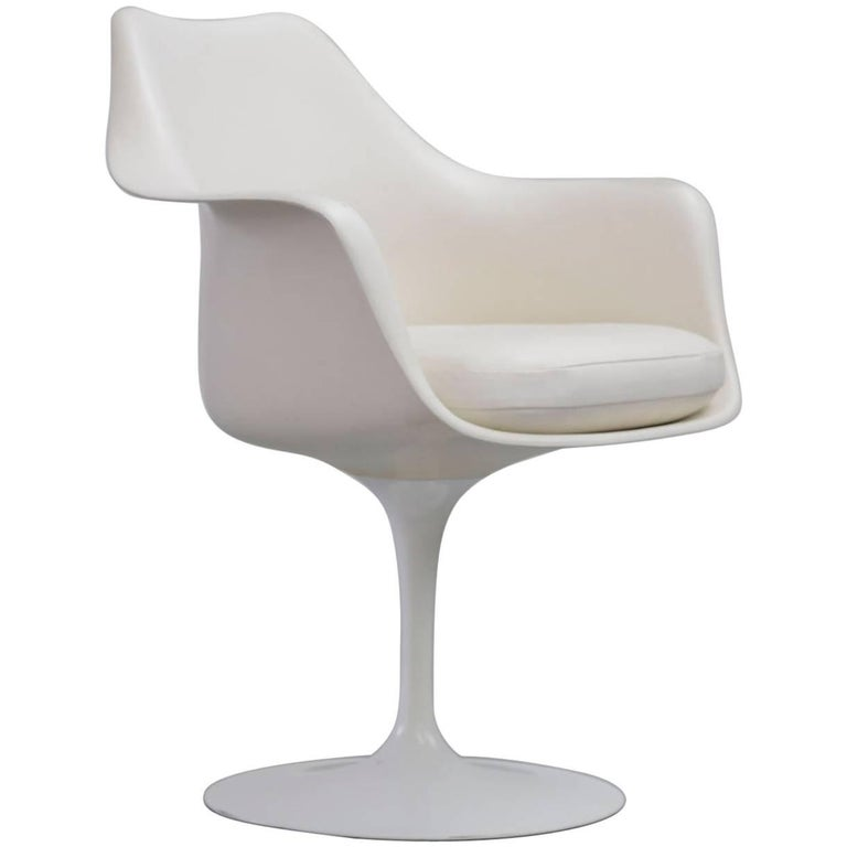Tulip armchair by eero saarinen knoll international for for Eero saarinen tulip armchair