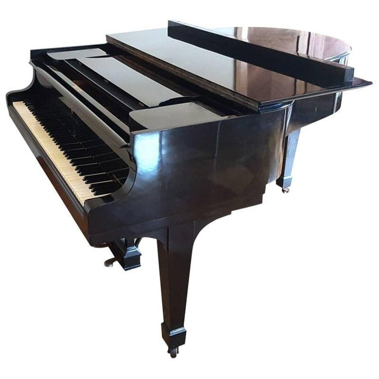 Steinway & Sons Piano, Model: 280431 M, Baby Grand Piano, circa 1930