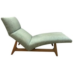 Midcentury Curved Chaise Lounge Chair Attributed to Adrian Pearsall