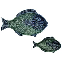 Pair of Blue and Green Majolica Glazed Ceramic Fish Platters, Portugal, 1960s