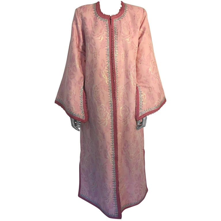 Elegant Moroccan Caftan in Pink and Silver Metallic Brocade Size Large to XL