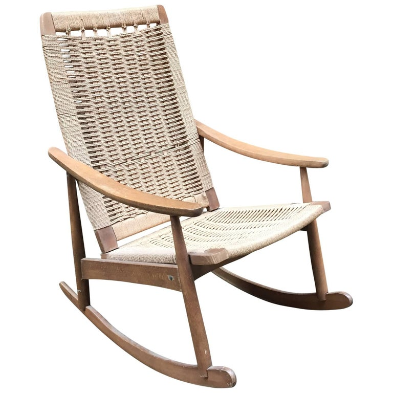 1960s modern rope and wood rocking chair for sale at 1stdibs. Black Bedroom Furniture Sets. Home Design Ideas