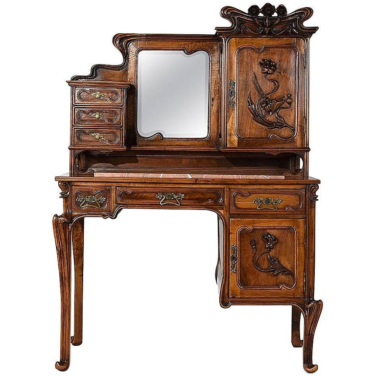 Early 20th Century Art Nouveau Desk in the Manner of Louis Majorelle