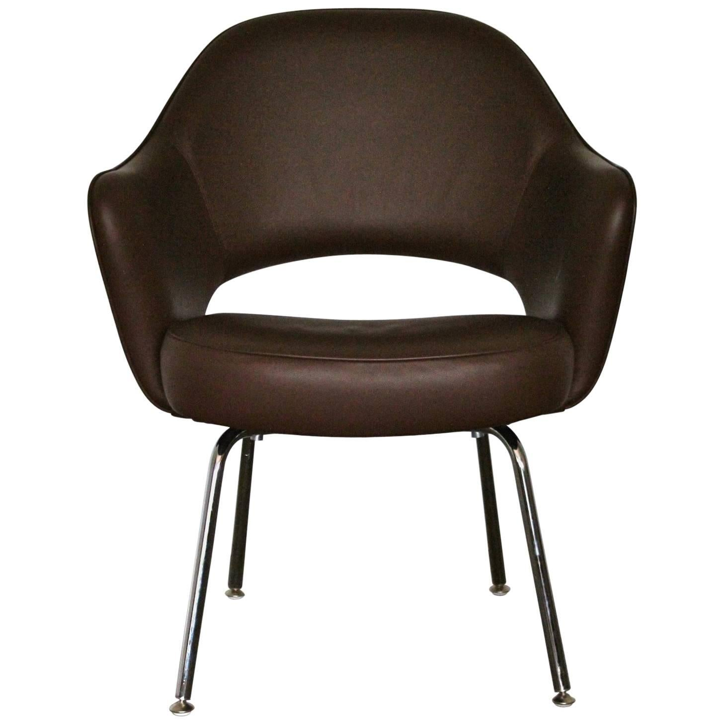 Knoll Studio U201cSaarinen Executiveu201d Armchair In U201cVolou201d Brown Leather For Sale