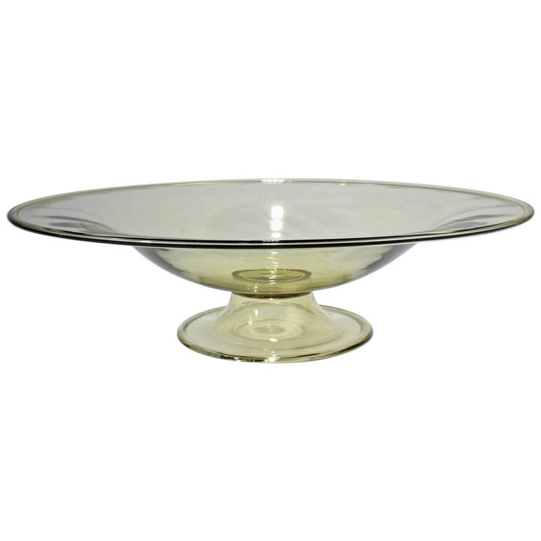 large venetian midcentury glass footed bowl centrepiece attributed to salviati for sale at 1stdibs. Black Bedroom Furniture Sets. Home Design Ideas