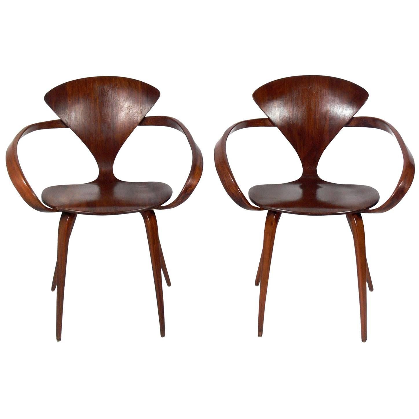 sculptural pair of armchairs by norman cherner for plycraft