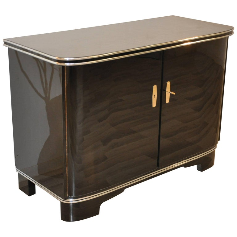 art deco commode with piano lacquer for sale at 1stdibs. Black Bedroom Furniture Sets. Home Design Ideas