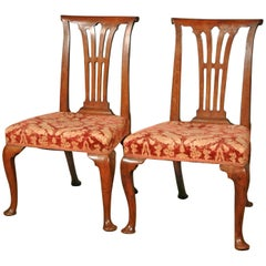 Good Pair of George II Elm Side Chairs of Unusual Form, circa 1740