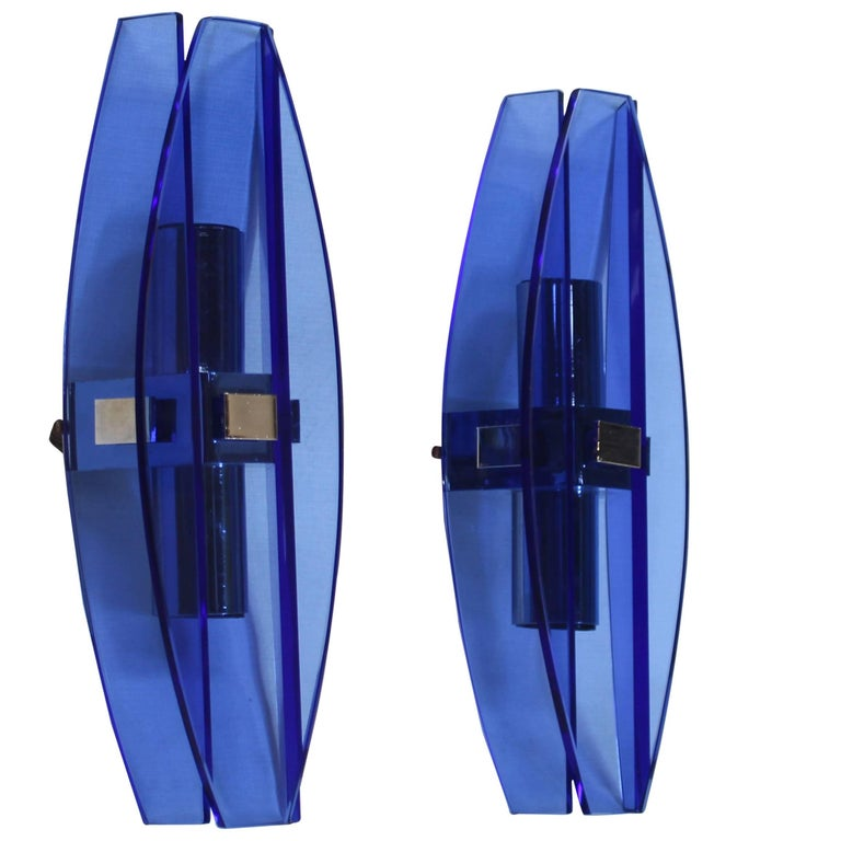 Italian Mid-Century Modern Pair of Sapphire Lapis Glass Wall Sconces by Veca
