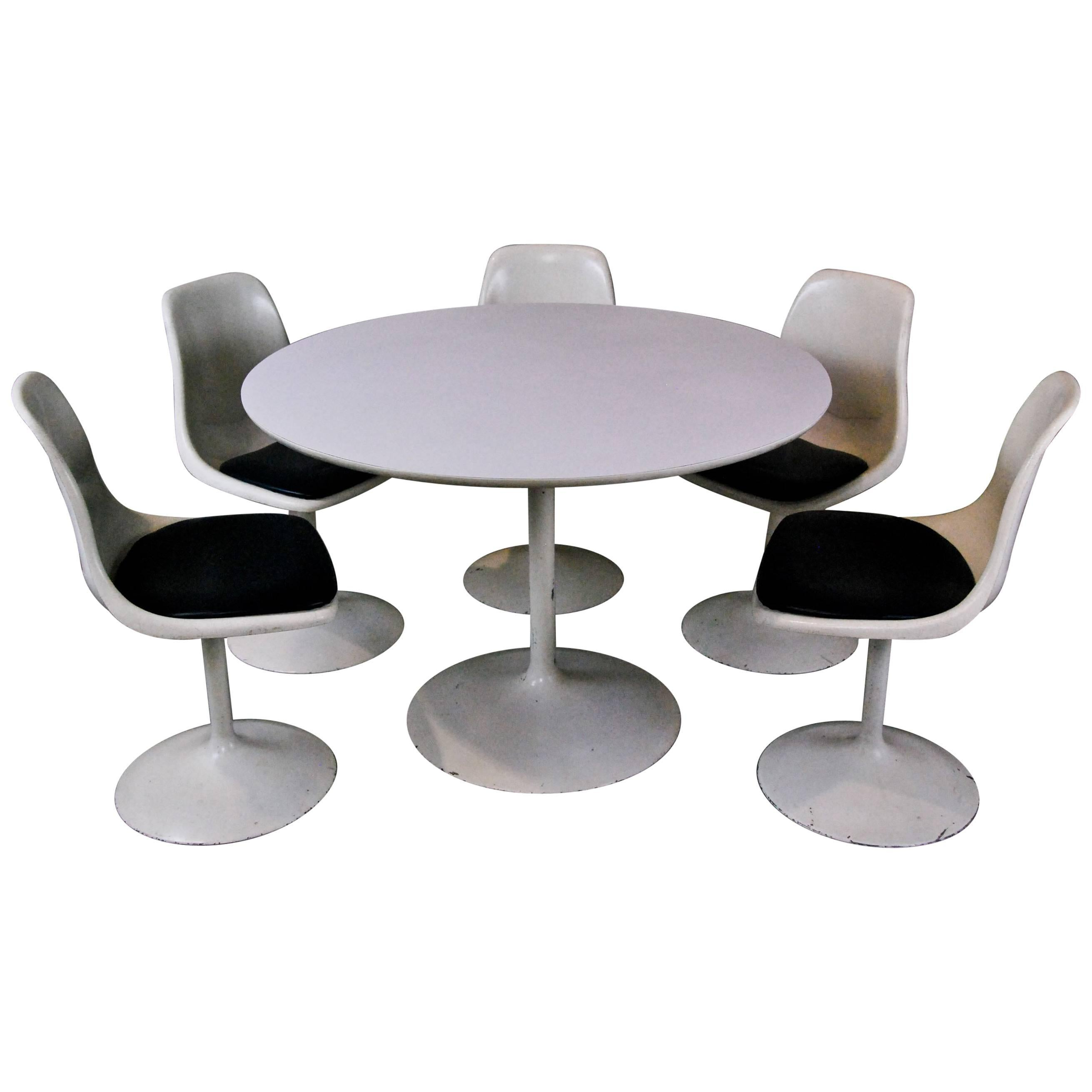 MCM Set Of Saarinen Style Table And Chairs For Sale