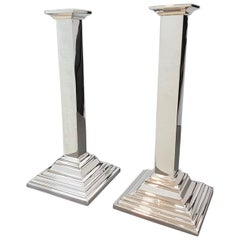 20th Century Italian Sterling Silver Pair of Modern square Candlesticks