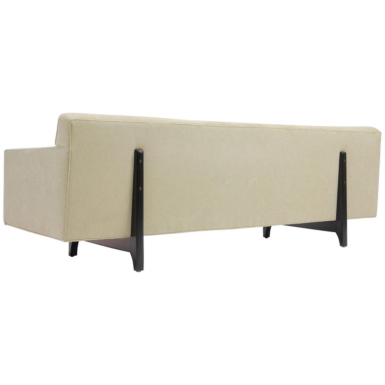 Bracket Back Sofa by Edward Wormley for Dunbar 1