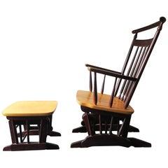 Ungewöhnliche Vintage Glider Sessel mit Fußstütze