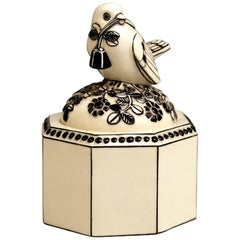 Box Sparrow on Lid Michael Powolny Gmunden Ceramics Model 64, 1913-1919