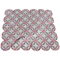 Double Wedding Ring Quilt with Scalloped Border