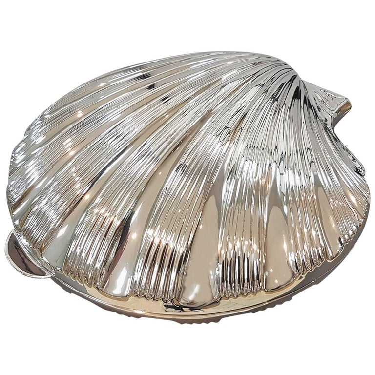20th Century Italian Silver Boxes Shell-Shaped on feet with gilted interior