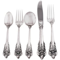 Grande Baroque Flatware for 36