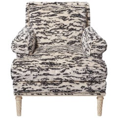 Schumacher Jansen Serengeti Tigre Blanc Chenille Maplewood-Legged Sock Armchair