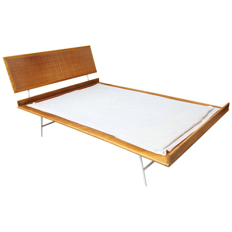 Thin Edge Bed By George Nelson For Herman Miller For Sale At Stdibs - Herman miller bedroom furniture